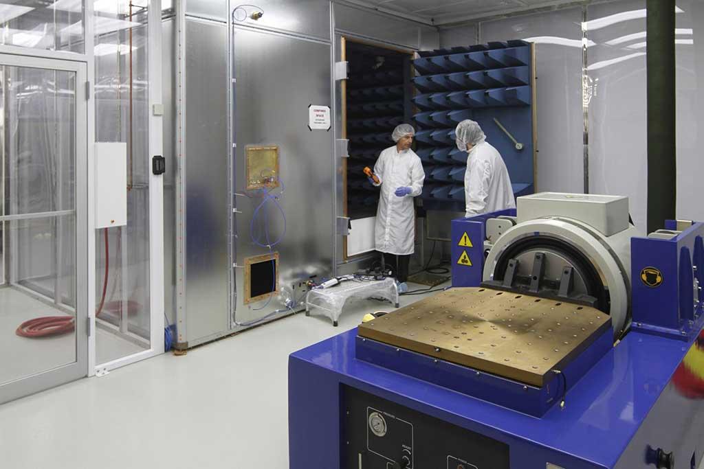 Terra Universal Installation at Univ. of Toronto's Microsatellit