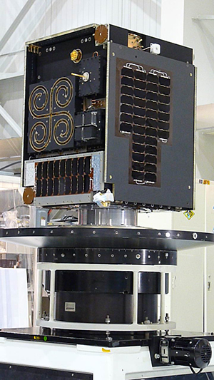 M3MSat-on-vibe-table-at-DFL