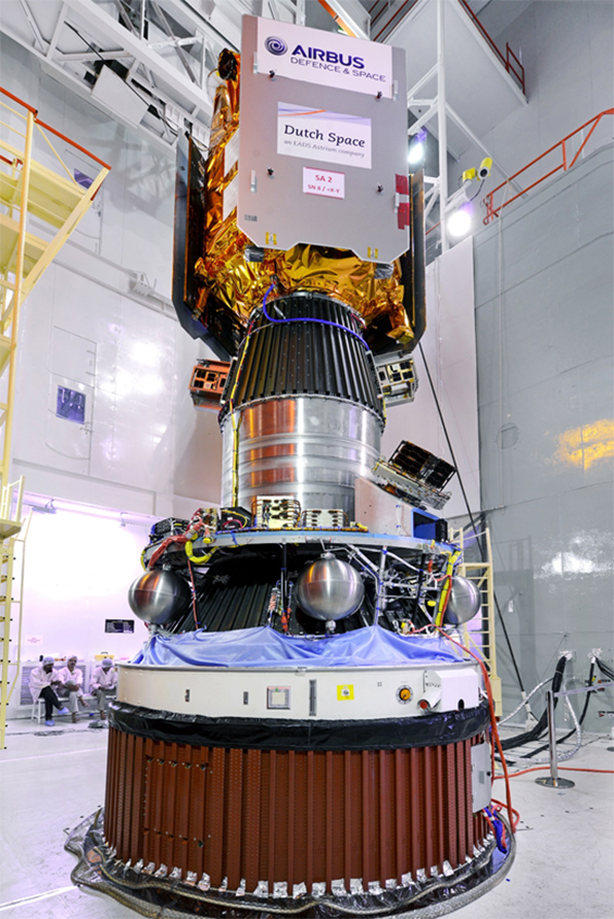 Figure 5: Fully-integrated PSLV upper stage, with SPOT-7, CanX-4, CanX-5, and AISat visible